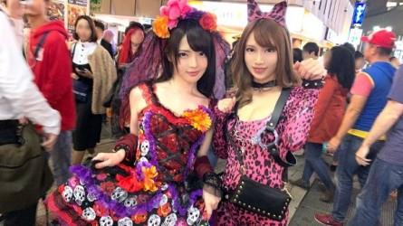200GANA-1928 渋谷ハロウィン当日!大騒ぎ!逮捕者続出のさなか、仮装ナンパ師突入!ピンク女豹の巨乳ギャル&小悪魔セクシーな美女2人組にワンチャン狙いでグイグイ声掛けー!暴徒と化したパリピたちを横目に、ホテルで4P乱痴気騒ぎ!!