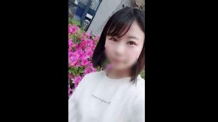 FC2PPV-1392052 【無修正】幼い色白少女と3p連続中出し(66分)